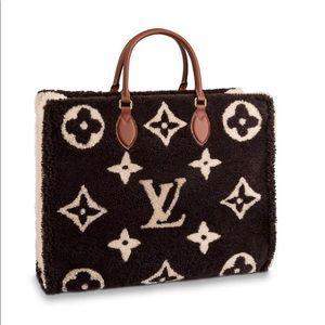 Louis Vuitton onthego Teddy fleece, NWT, RECEIPT